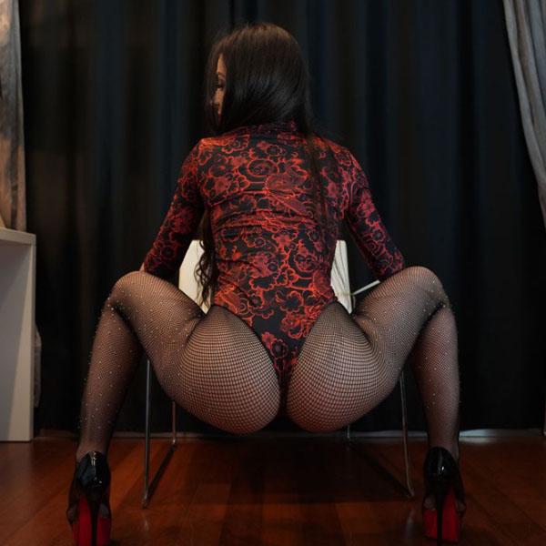 Show de sexo ao vivo de uma garota na webcam